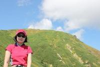 天狗岩から山頂を望む