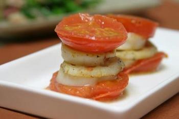 ホタテとトマトの重ね焼