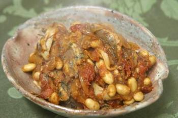 カタクチイワシと大豆のトマト煮