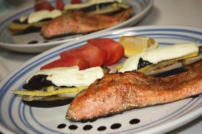 鮭のムニエルバルサミコとレモンで