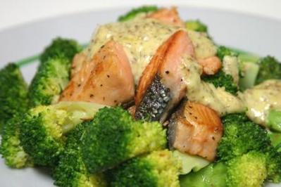 鮭とブロッコリーのマスタードソース